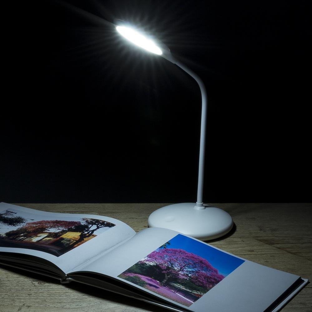 Luminária de Mesa 12 Leds Flexível 13374 - Gráfica e Brindes Ipê - Patos de Minas - MG