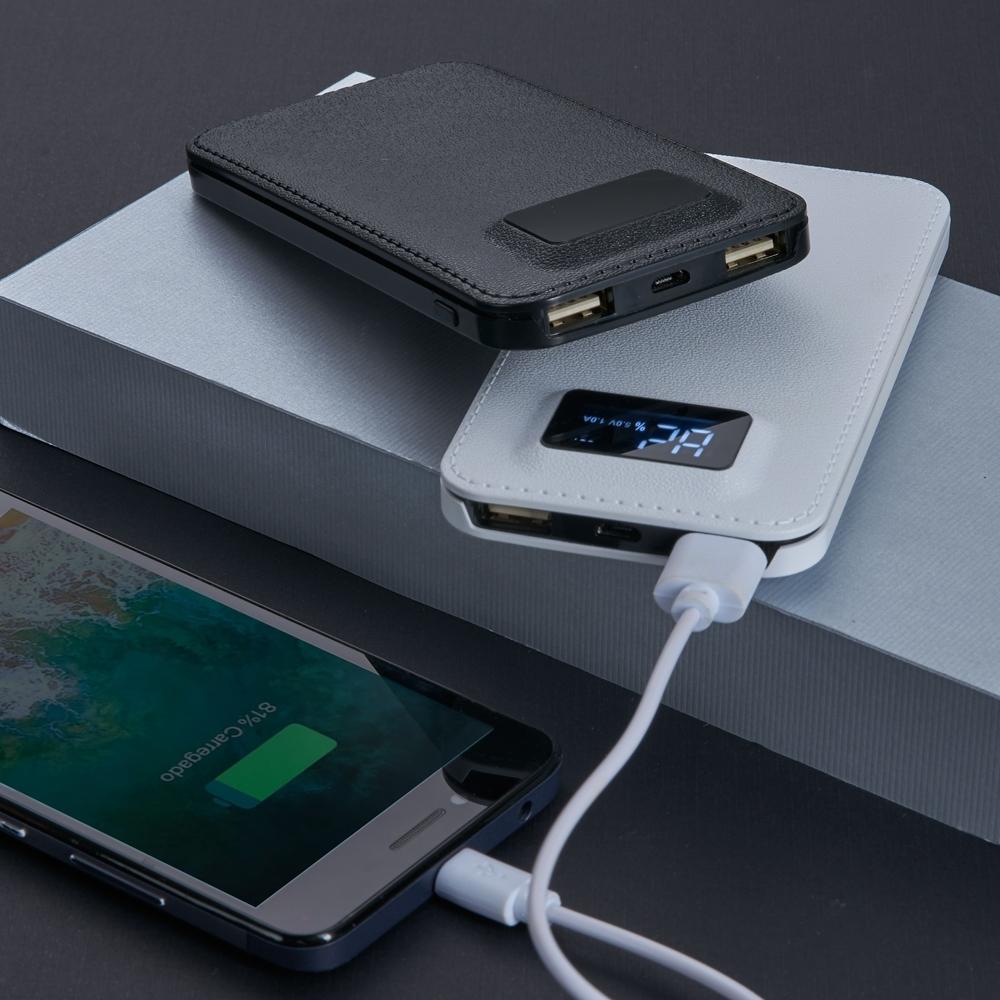 Power Bank Plástico com Visor Digital 2032 - Gráfica e Brindes Ipê - Patos de Minas - MG